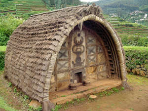 image: toda hut