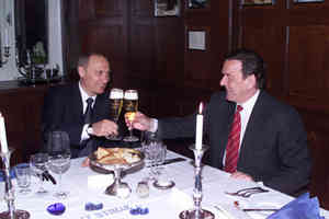 IMAGE: vox7.com Putin, Schroeder